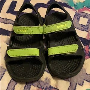 Crocs toddler size 7 water sandals